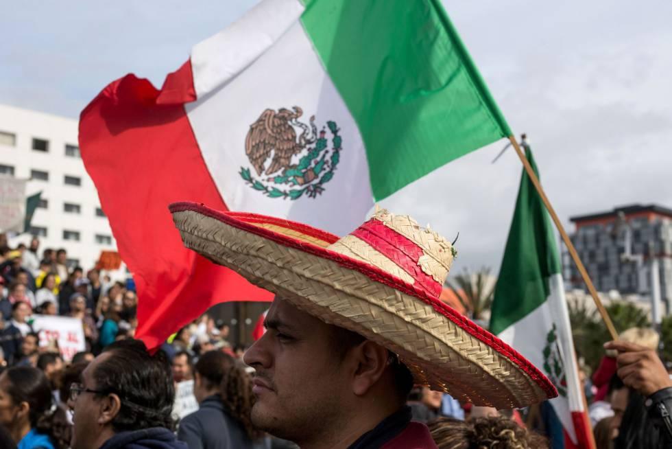 Manifestación contra la subida de la gasolina en México.