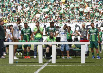 El Chapecoense vuelve a jugar 54 días después de la tragedia