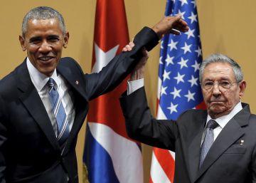 Raúl Castro debe moverse