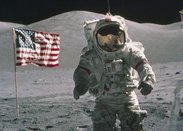 Y el hombre cambió la Luna por el móvil