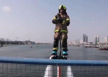 Tablas voladoras para sofocar incendios en el mar