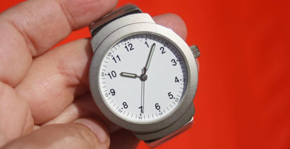 Por qué parece que el tiempo pasa volando… o que nunca pasa
