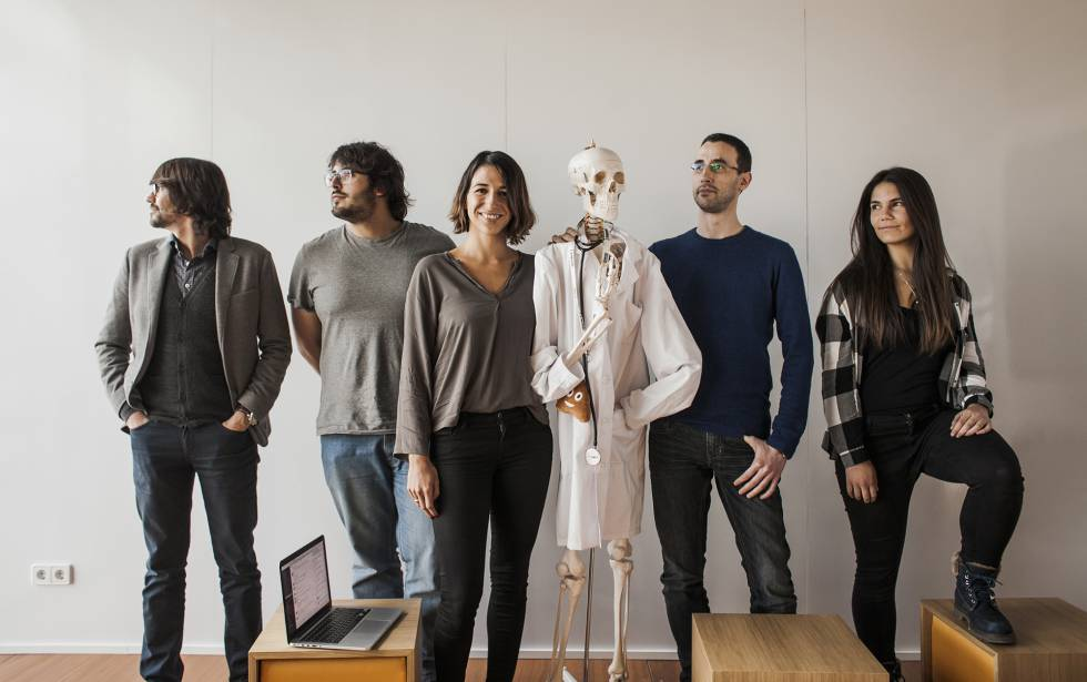 Izanami Martínez – on the left of the skeleton – poses with her team at Doctor24, a startup that puts doctors and patients in touch on line. She is also President of the Spanish Startup Association.