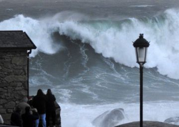 Spain's Galicia region on red alert for giant waves and gale-force winds