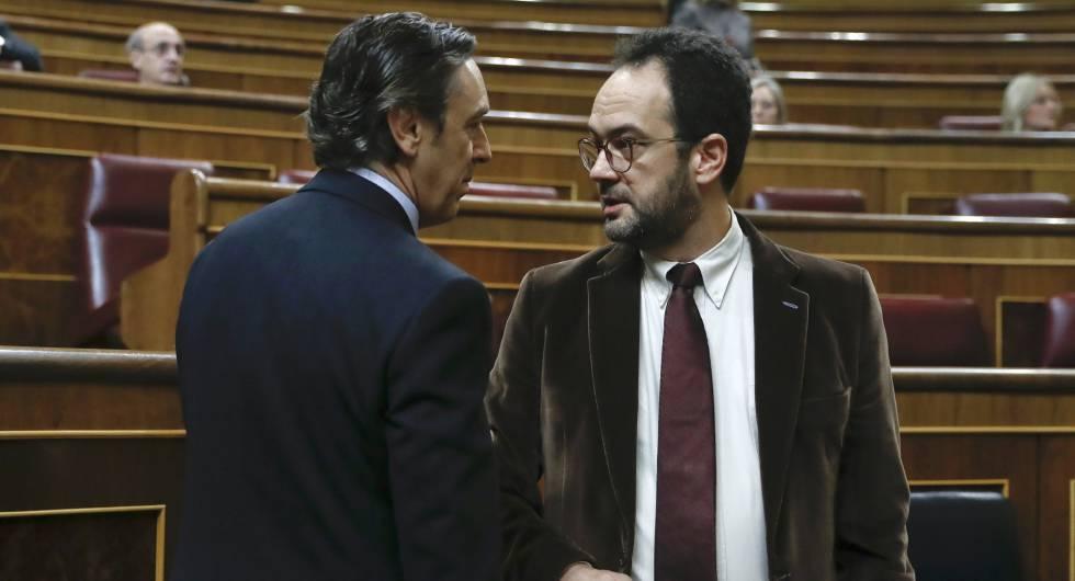 Los portavoces del partido Popular, Rafael Hernando,y del PSOE, Antonio Hernando.