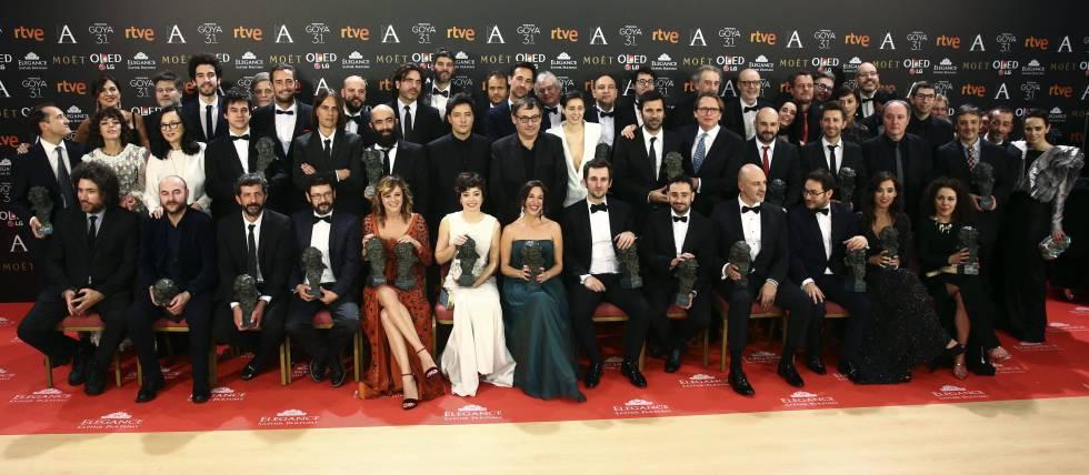 Todos los ganadores posan con su Goya.