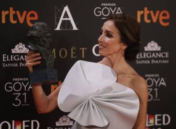 Ana Belén, feliz con su Goya de Honor.