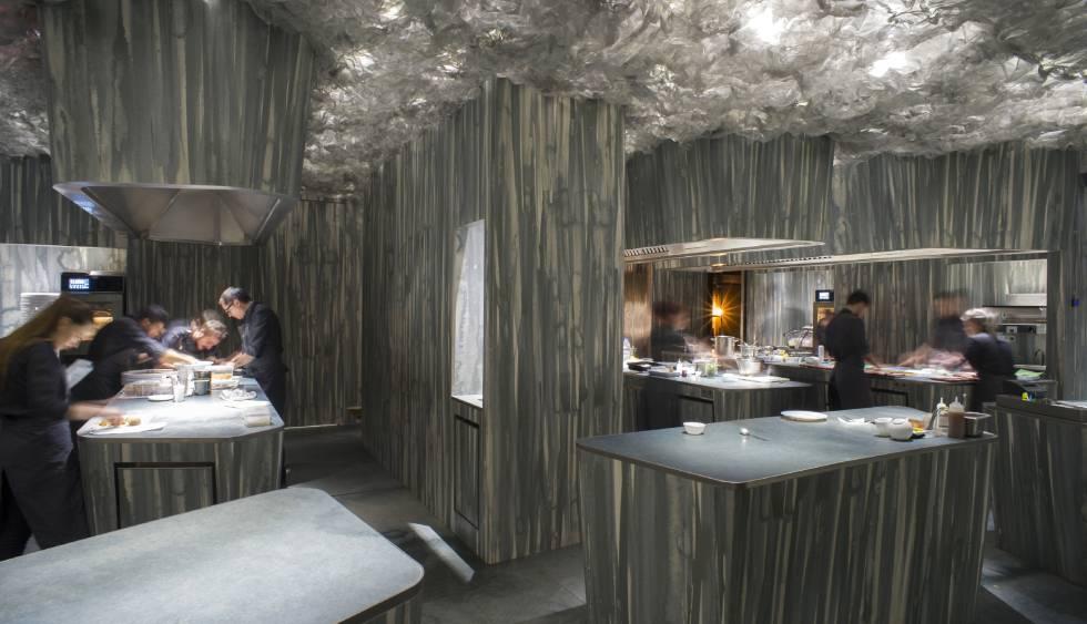 Albert adri abre enigma restaurante en la estela de for Restaurante la campana barcelona