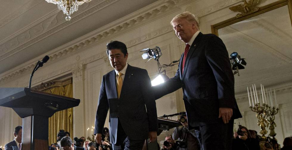 Trump Abe Mar A Lago Dining Room