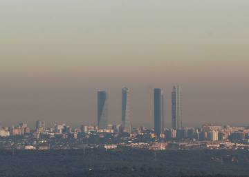 Madrid bans half of all cars from city center as pollution levels spike