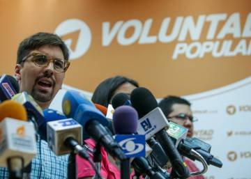 Venezuela's opposition increasingly divided over talks with government