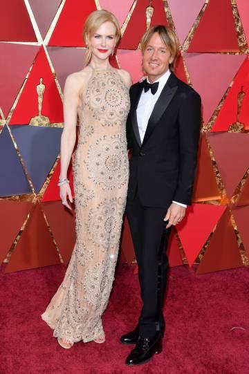 Nicole Kidman en la alfombra roja de los Oscar con su marido, el cantante Keith Urban.