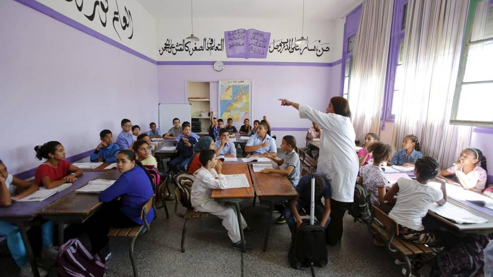 Alumnos en un aula del colegio Oudaya de Rabat.