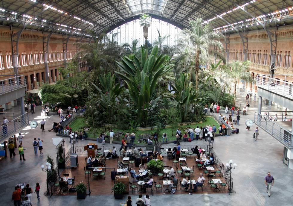 Trenes horror vacui opini n el pa s - Jardin tropical atocha ...