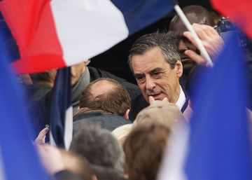 Fillon à beira do abismo