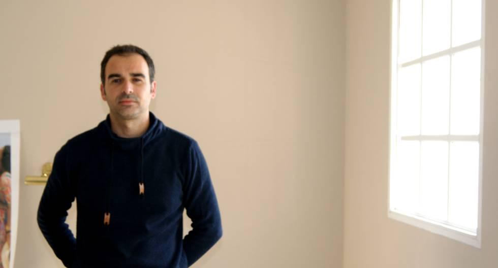 El investigador cordobés Antonio Herrera Merchán, de 38 años, en su casa.