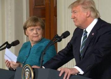 Trump ignora a Merkel cuando le pide un apretón de manos en el Despacho Oval