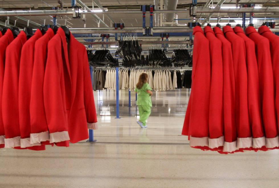 Imagen del la central de Zara, en Arteixo.
