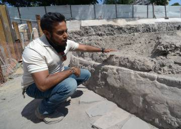 Archeologists in Mexico City unearth Aztec temple under supermarket