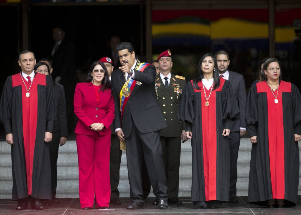 Resultado de imagem para golpe de maduro na venezuela
