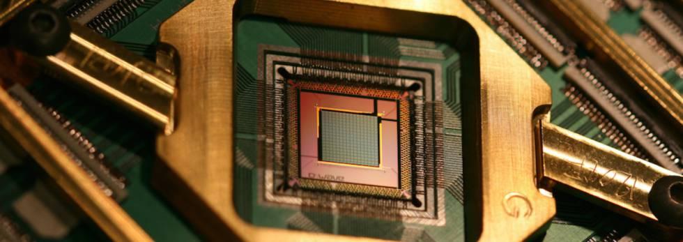 El procesador cuántico del D-Wave Q2000 es entre 1.000 y 10.000 veces superior a uno tradicional.