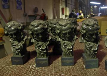 Spanish filmmakers try to sell Goya film award in second-hand store