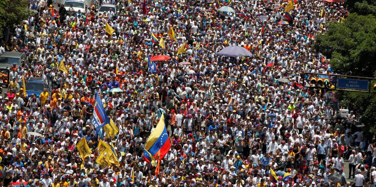 Manifestantes en una protesta de la oposición en Venezuela.
