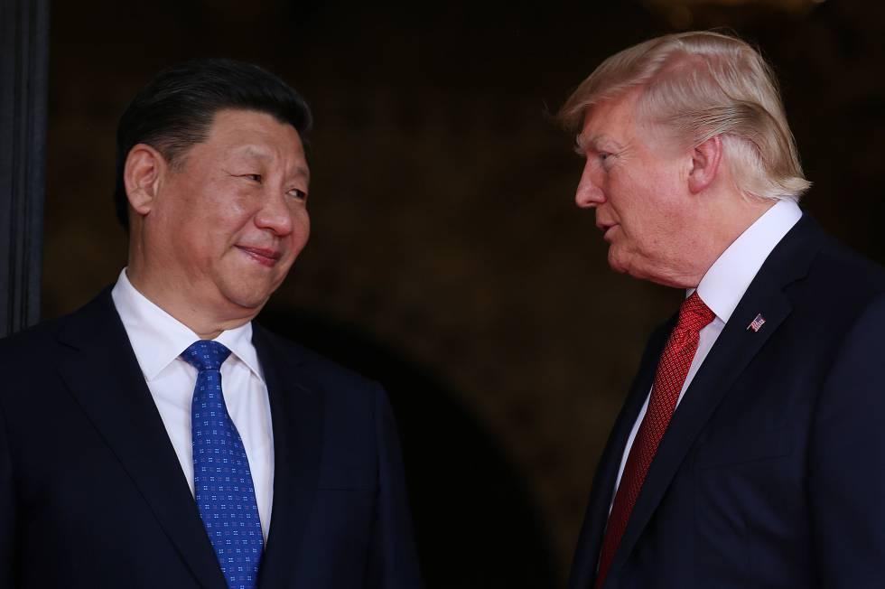 El presidente Donald Trump con el presidente chino, Xi Jinping en Mar-a-LPalm Beach, Florida (Estados Unidos)