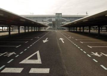 How did Spain's white elephant airport end up with a €10k price tag?
