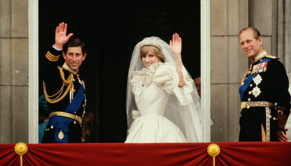 Carlos y Diana, el día de su boda con el duque de Edimburgo.