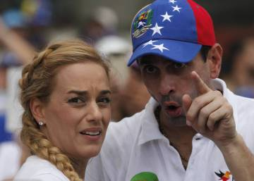 Jailed Venezuelan opposition leader's health confirmed after visit by wife