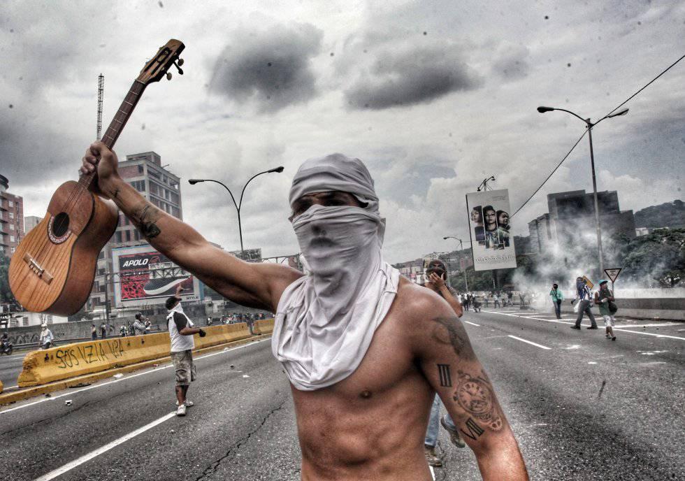 Chinas Annual Naked Run Shows Environmental Activism