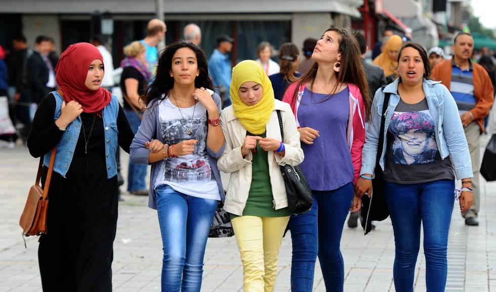 Tunisian girl in dubai 3