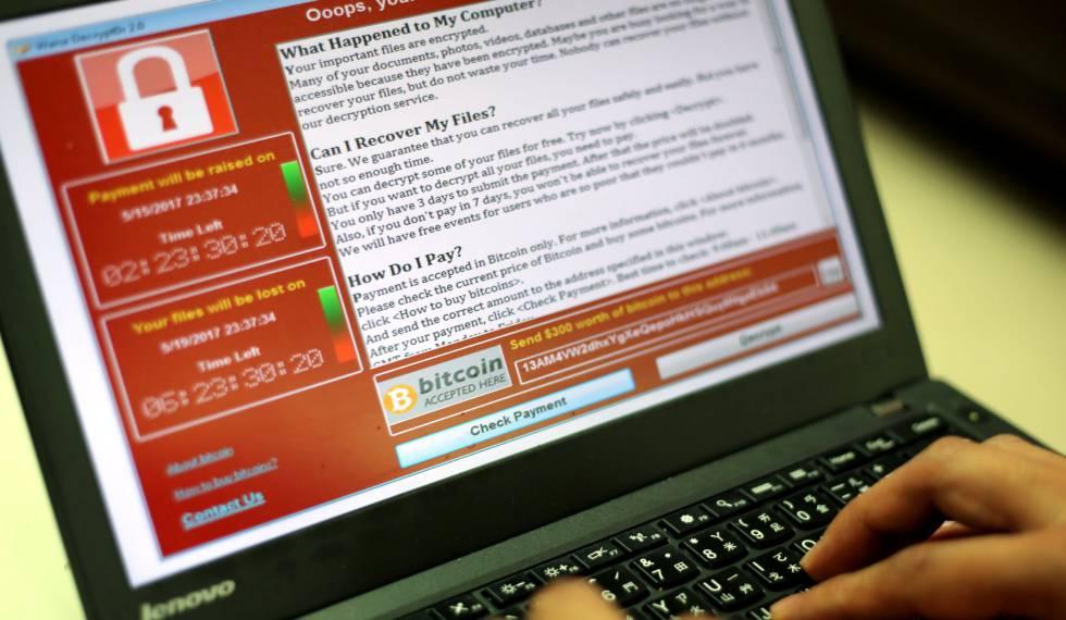 Ejemplo de pantalla tras sufrir un ciberataque con 'ransomware' que reclama un rescate en bitcoins.