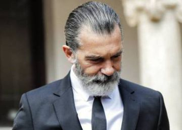 In support of Antonio Banderas