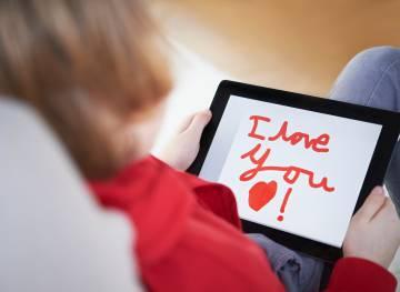 Los investigadores aseguran que hay que introducir el inglés en la vida cotidiana del niño.