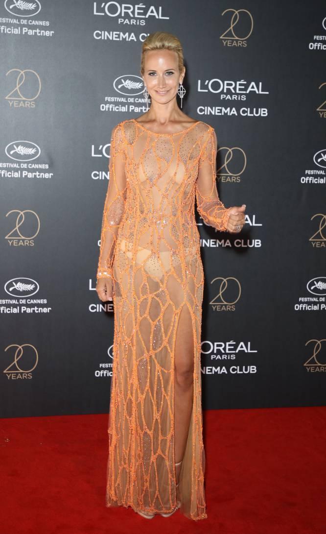 No tenemos palabras para describir este estilismo de la modelo y aristocrática Victoria Hervey. En serio. Ni una.