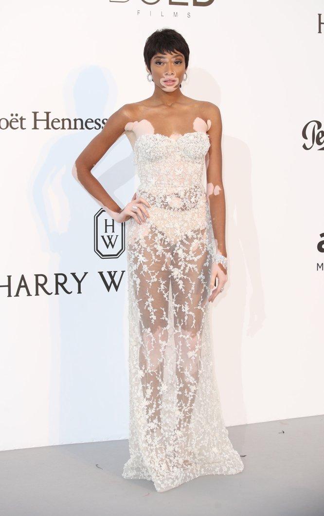 En este festival de Cannes hemos visto tanta ropa interior y tanta modelo que parecía un desfile de Victoria's Secret. Aquí, Winnie Harlow.