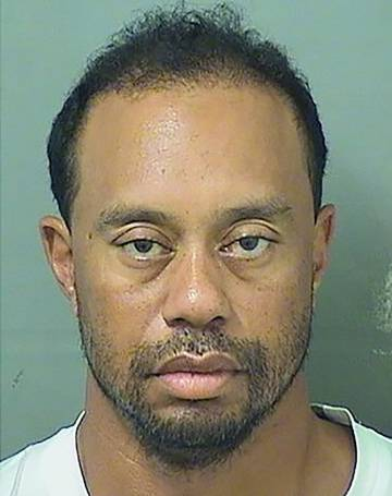 Fotografía de la ficha policial de Tiger Woods, tras ser arrestado el pasado lunes.