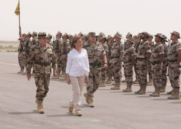 Spain's first female defense minister found dead in her home at age 46