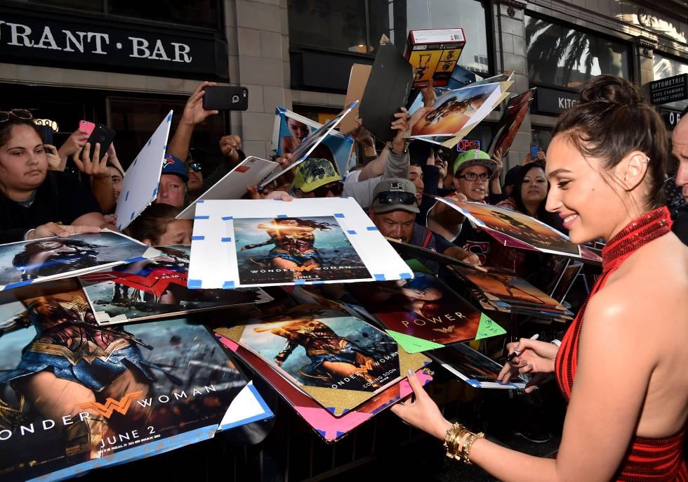 """Gal Gadot, la nueva Wonder Woman: """"Las feministas no vamos por ahí quemando sujetadores"""""""