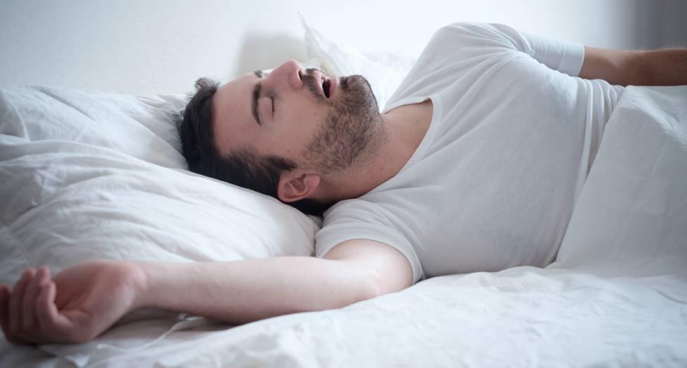 ¿Por qué nos dan sacudidas cuando dormimos?