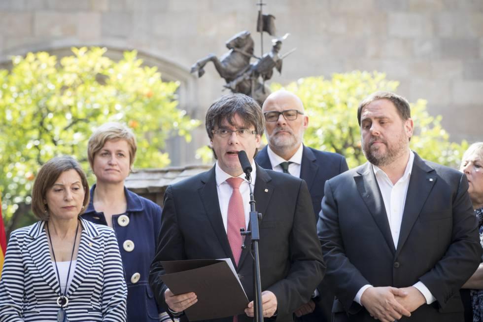 Carles Puigdemont comunica el día y la pregunta del referéndum de independencia de Cataluña.