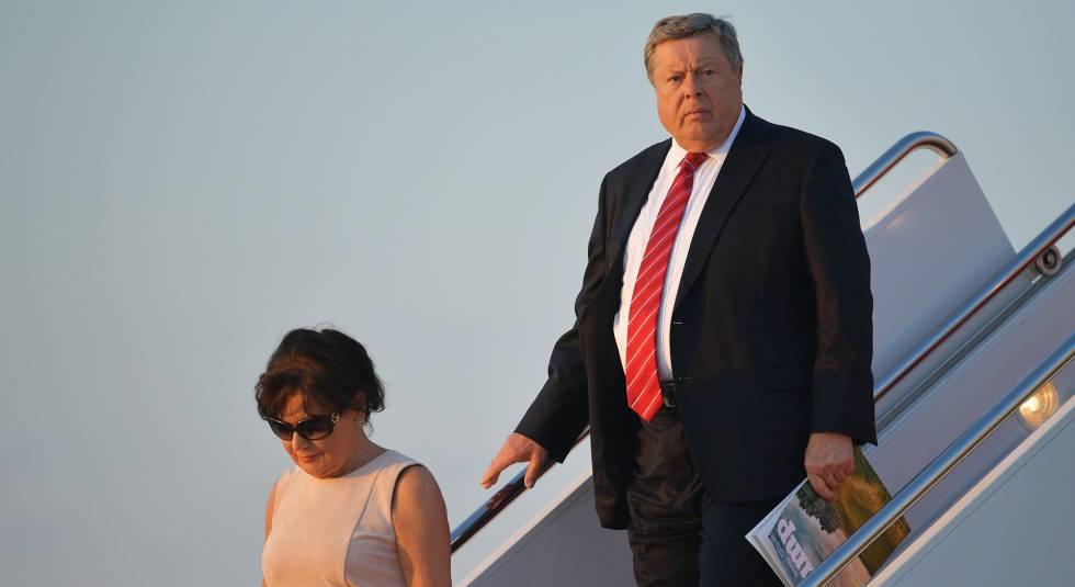 Amalija Knavs y Viktor Knavs, padres de Melania Trump, a su llegada a Washington en el 'Air Force One' el pasado 11 de junio.