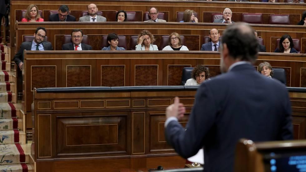 El presidente del Gobierno, Mariano Rajoy, en un pleno en el Congreso.