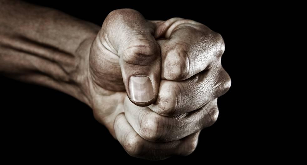 Cuatro gestos para no explotar en momentos de rabia (según la neurociencia)
