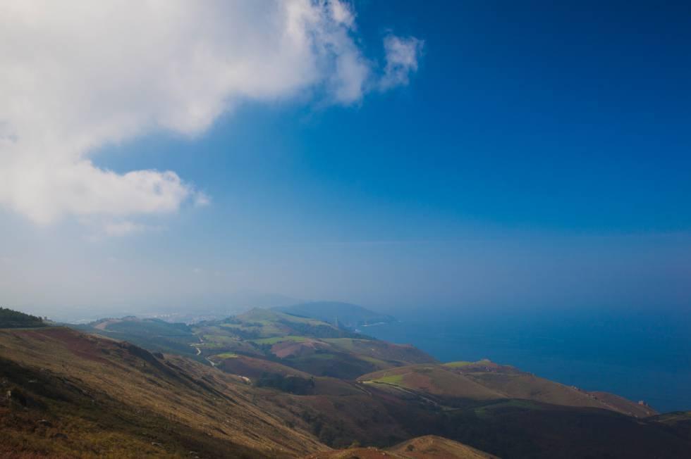 Vista panorámica de la Bahía de Vizcaya, Hondarribia, País Vasco