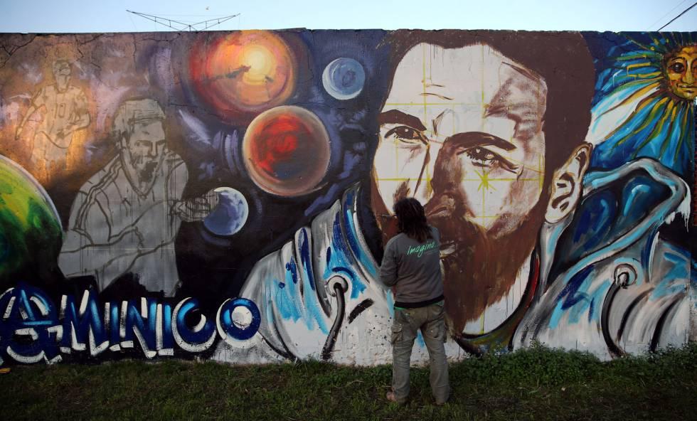 El mural que los jóvenes del barrio le regalaron a Messi.