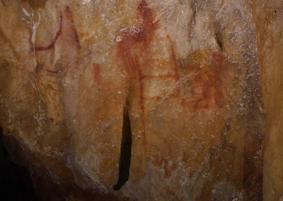 A drawing resembling a ladder made 64,800 years ago in La Pasiega cave (Cantabria).