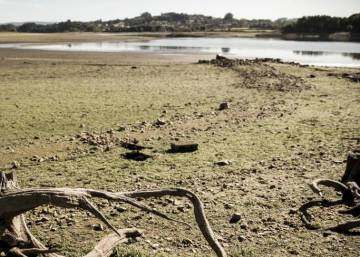 As drought drags on, northwestern Spain's reservoirs hit record lows